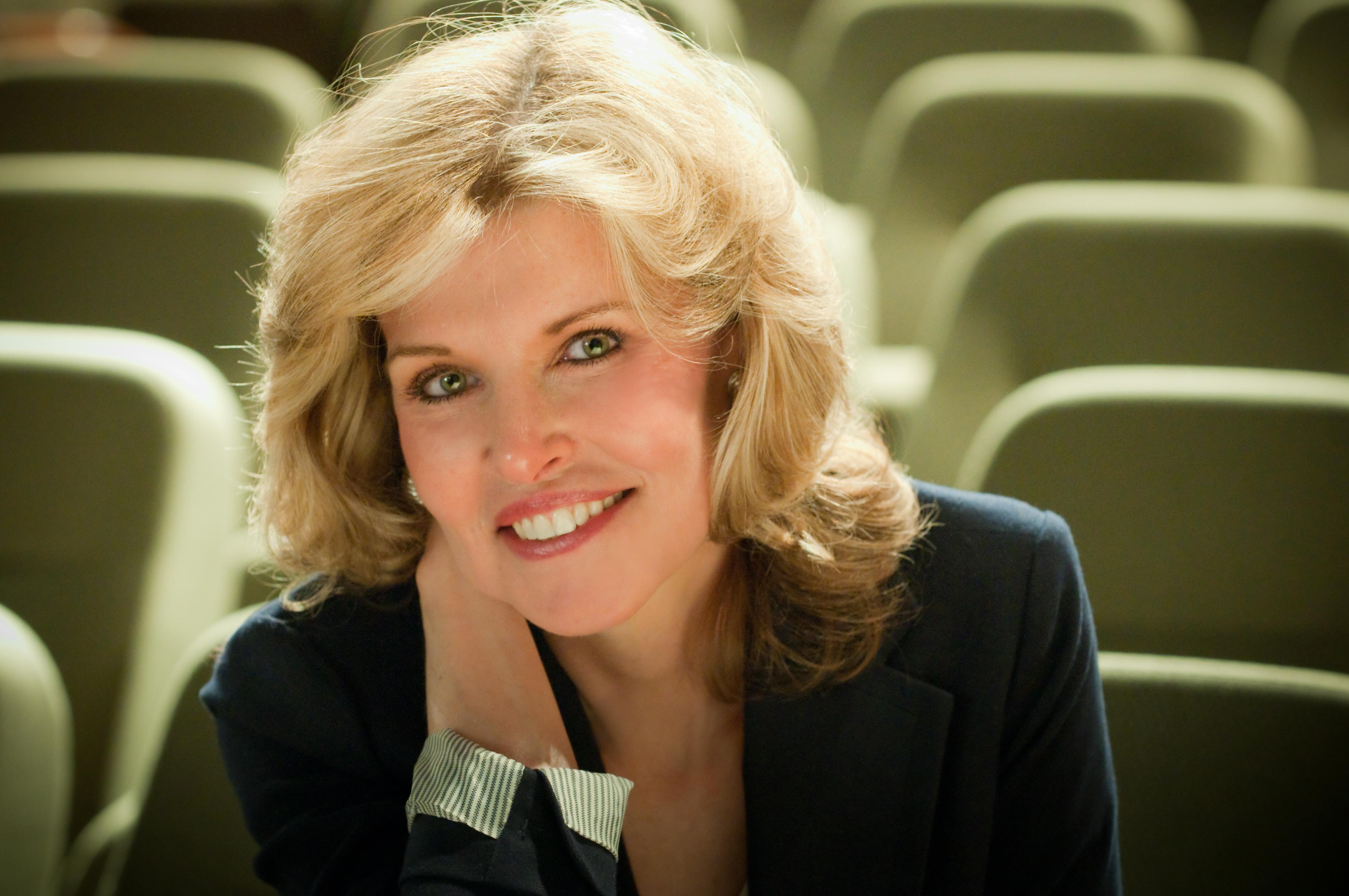 Vicki Hitzges Attitude Change Customer Service